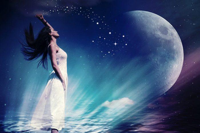 woman-fee-moon-3084129